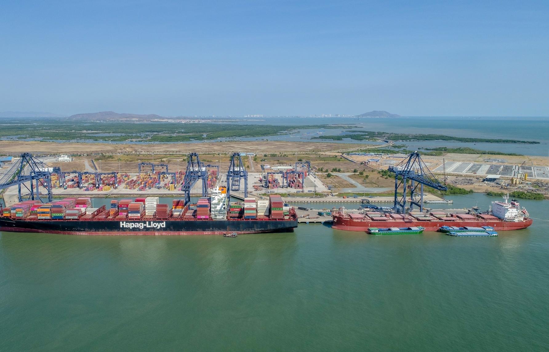 Vietnam announces criteria for classification of seaports