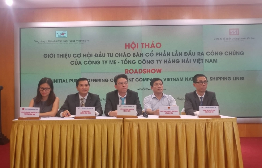 Vinalines conducts roadshow to promote upcoming IPO