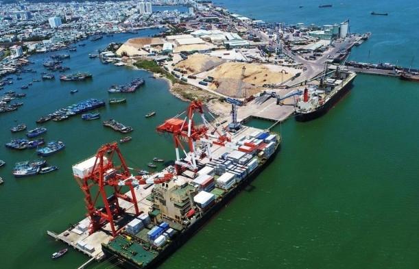 Vietnam invests $18.3 million in upgrading fairway of Quy Nhon Port