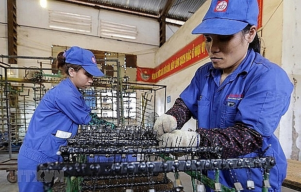 Vietnam to amend 10 laws to further facilitate investment and business activities