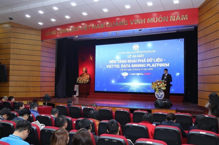 "MIC launches ""Make in Vietnam"" Viettel Data Mining Platform"