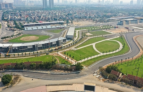Hanoi finishes F1 racetrack