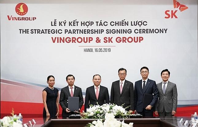 SK Group invests $1 billion in Vingroup, becoming strategic partner