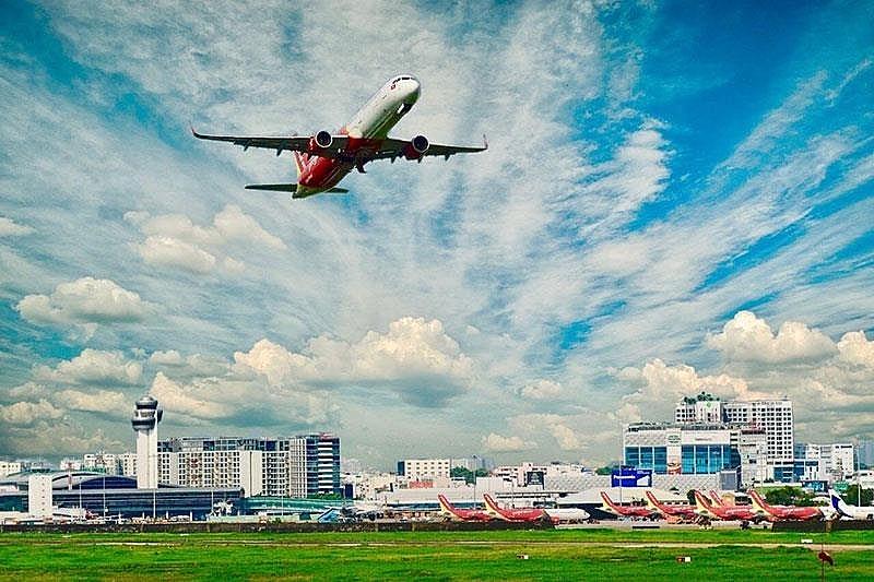 vietnamese aviation market under double pressure