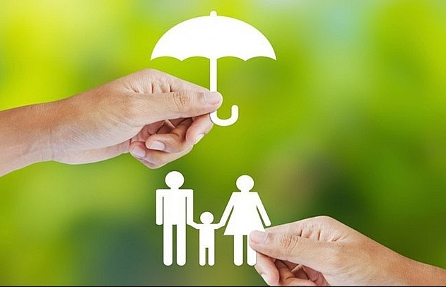 Life insurance widens sales to pharmaceuticals and supermarkets