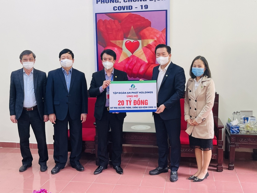 an phat holdings donates 870000 to support covid 19 fight in hai duong
