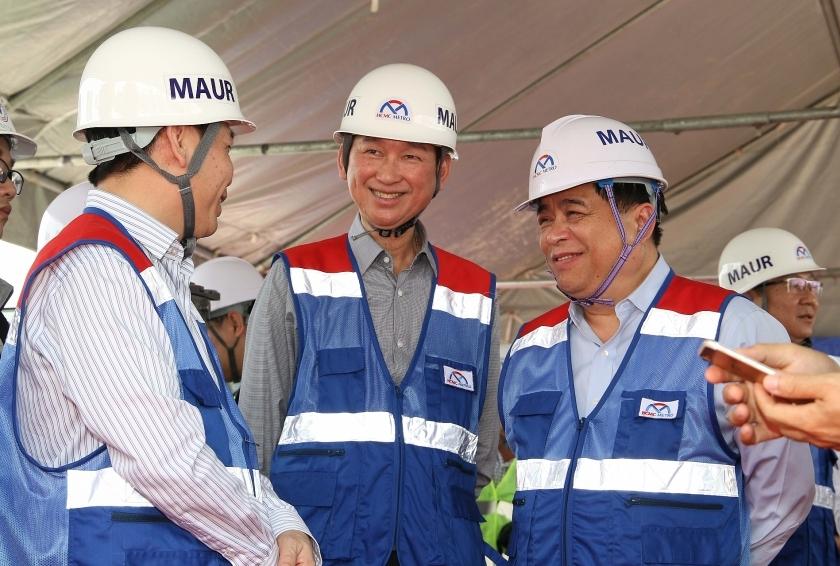 PM Phuc visits Ben Thanh-Suoi Tien Metro Line No.1