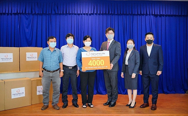 Hanwha Life Vietnam joins hands to fight against COVID-19