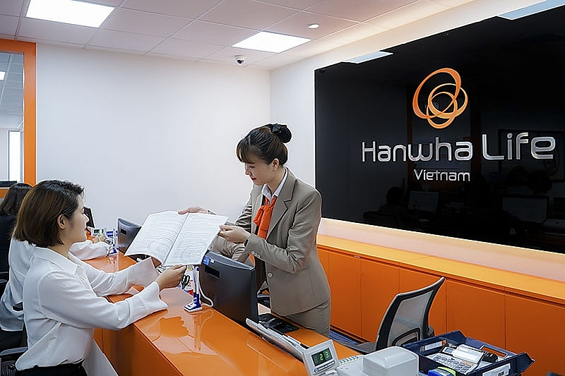 hanwha life vietnam pays over vnd21 billion of insurance benefits for single claim