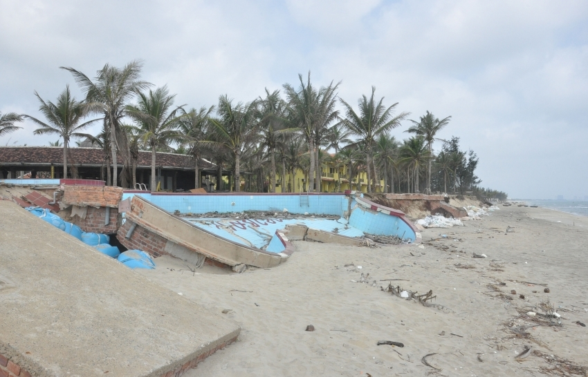 Enduring battle to save beaches from erosion
