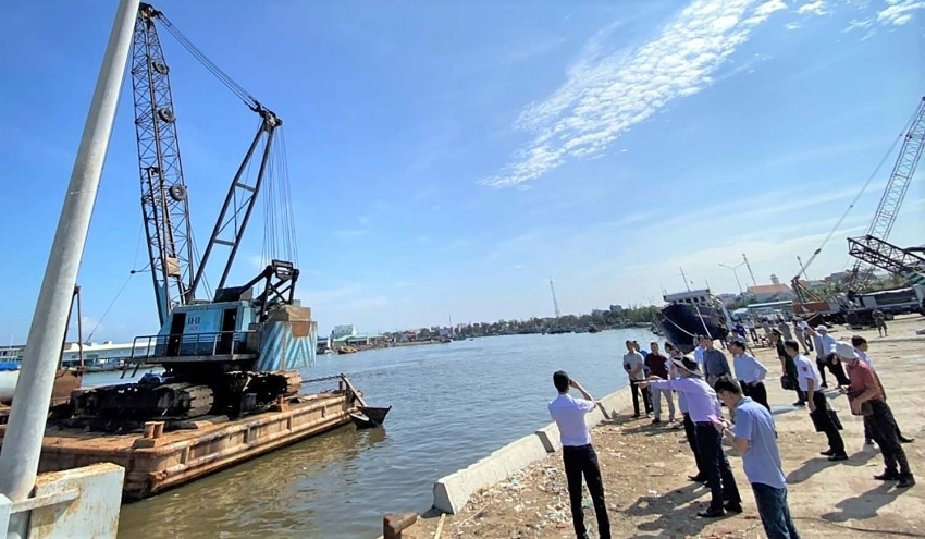 Key maritime projects stuck in the mud without public funds