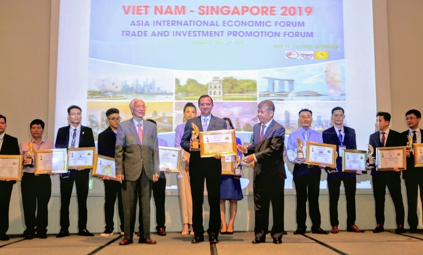 FE Credit championed Top 10 Asia's Most Trusted Brands Award