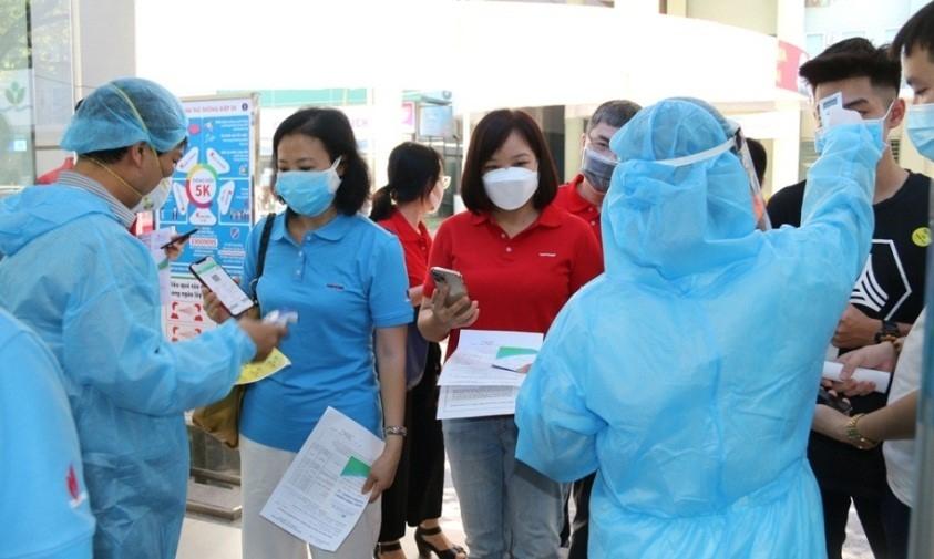 PetroVietnam donates VND400 billion to COVID-19 Vaccine Fund