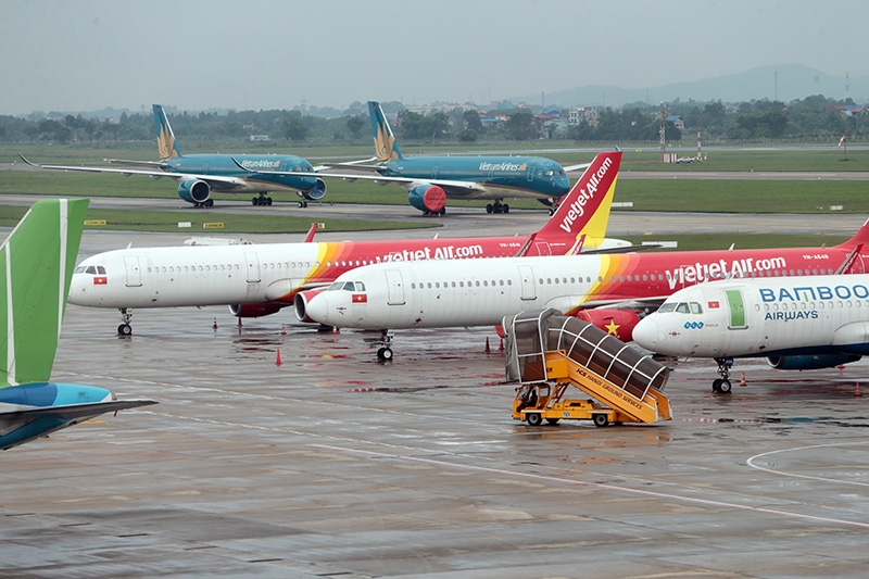 Different viewpoints about building second airport for Hanoi