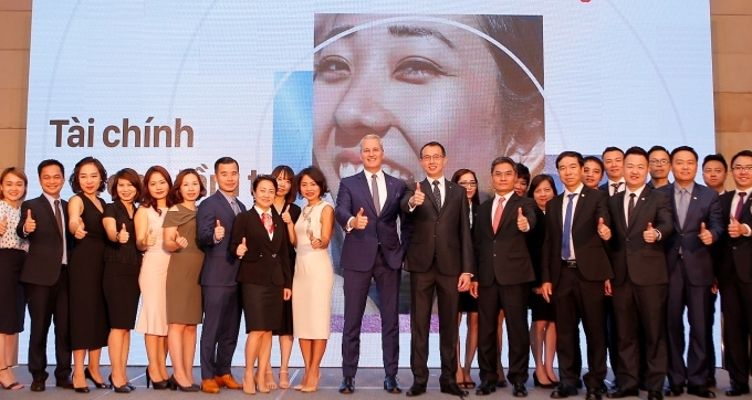 aia vietnam partners up with public bank to benefit retail customers