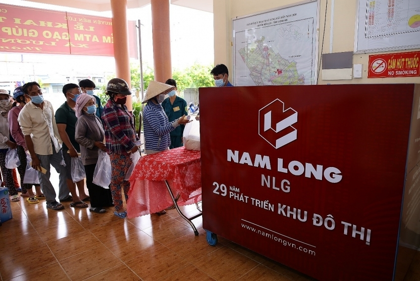 Nam Long Group sets up rice ATMs to support Long An amidst COVID-19
