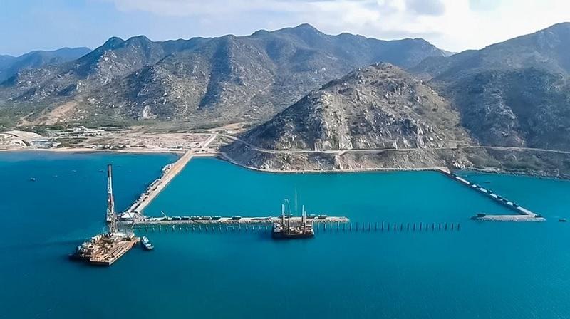 Ninh Thuan to select investors for LNG power project via international bidding
