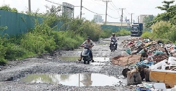 Billion-dollar projects sitting idle in Saigon south
