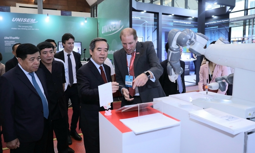 ABB drives digital transformation in Vietnam with leading technologies