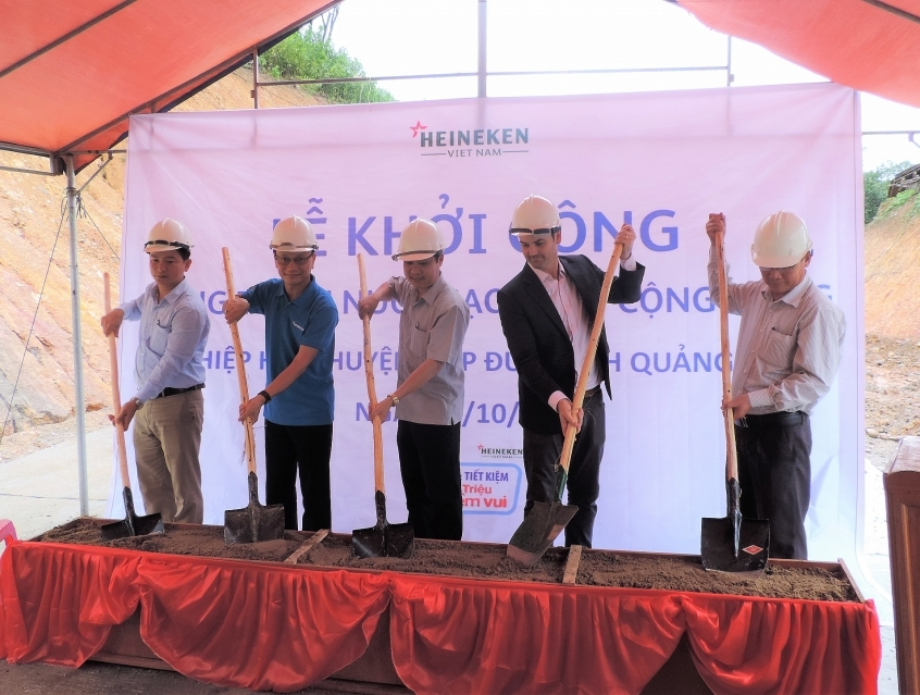 heineken vietnam supports clean water project in quang nam