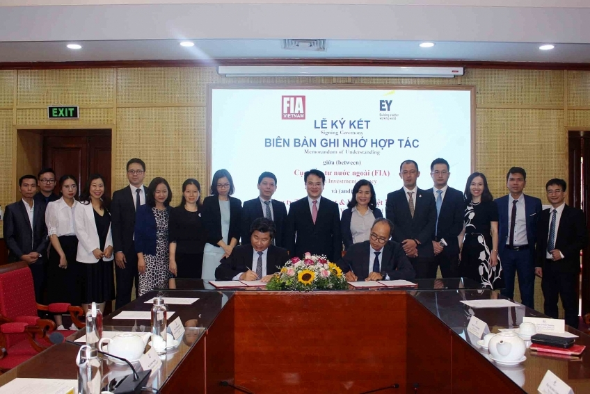 FIA and EY Vietnam sign MoU on foreign investment attraction to Vietnam