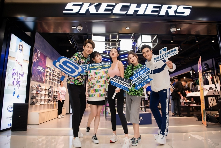 skechers inaugurates biggest store in hanoi in presence of eager kols
