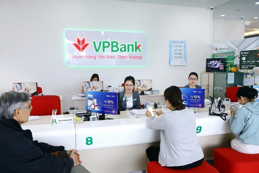VPBank toasted as Vietnam's largest private bank on VNR500