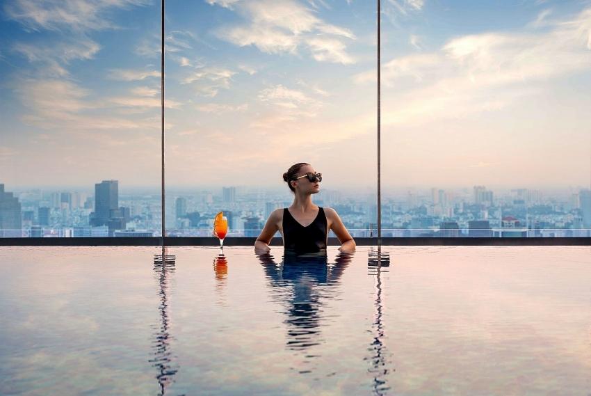 vinpearl luxury landmark 81 named worlds leading riverfront hotel