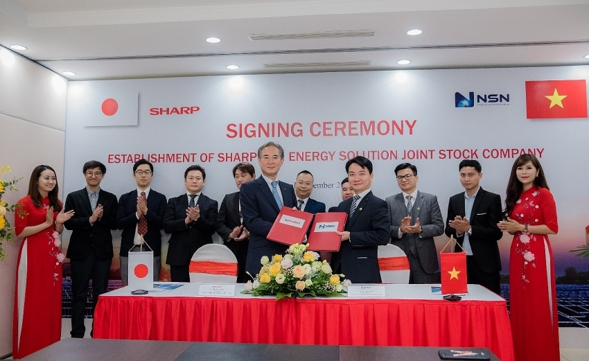vietnam japan fresh joint venture sharp nsn the handshake for new direction of solar power