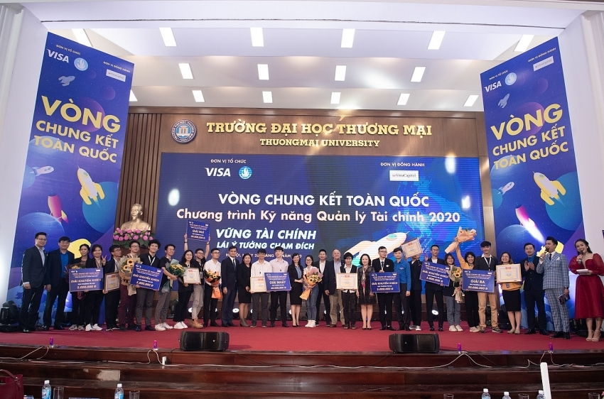 Students make spectacular landing at Financial Literacy programme finale by Visa