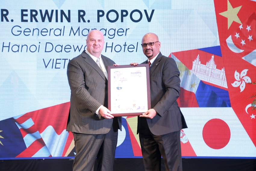 hanoi daewoo awarded by asia pacific tourism travel federation