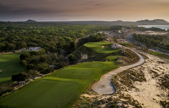 The Bluffs rolls out ace deal for members of Hole-in-one Club