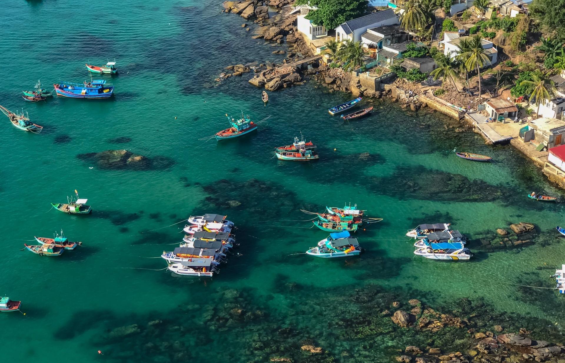 Vietnam prepares to pilot welcoming international tourists