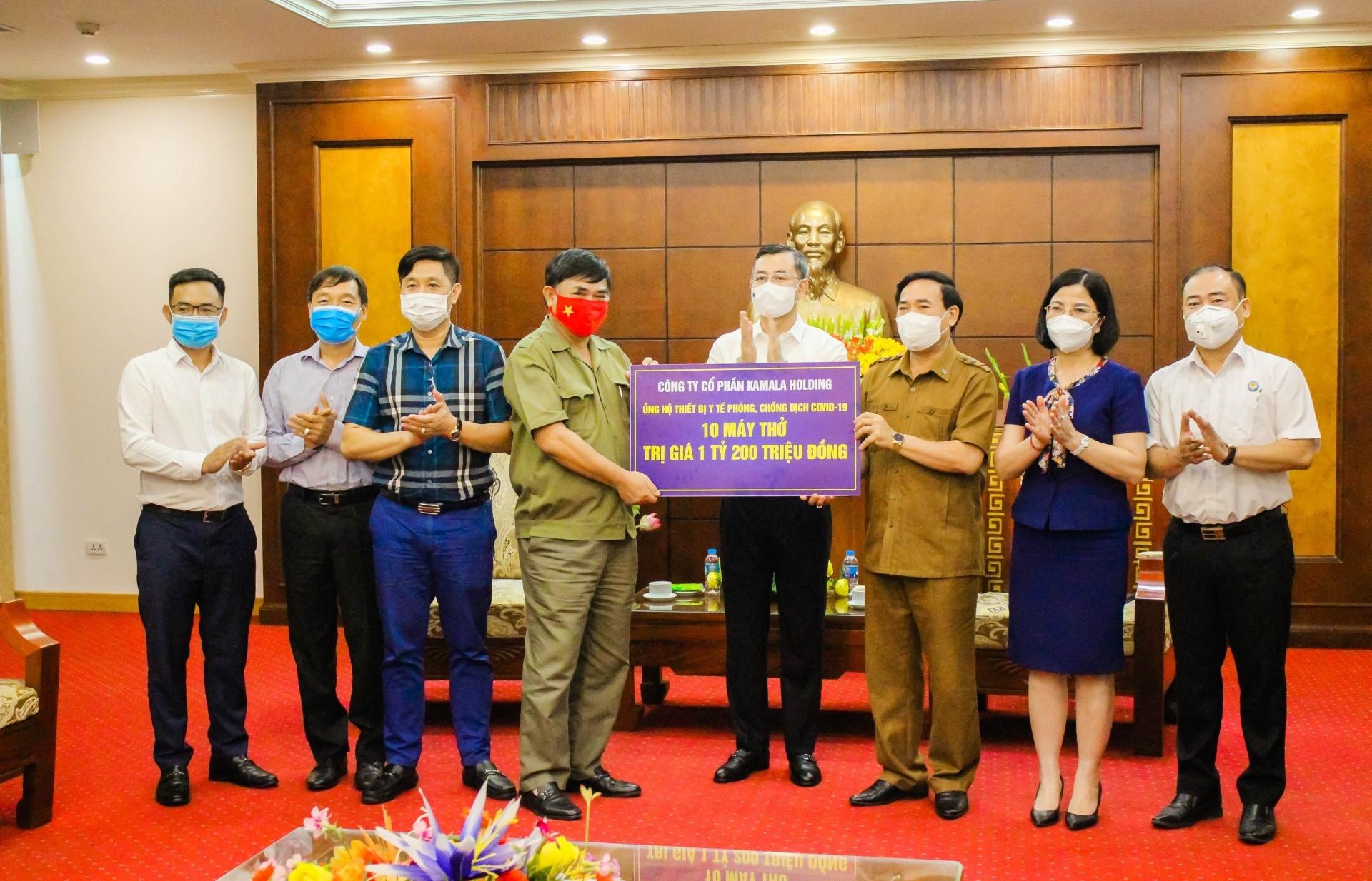 Kamala Holding donates 10 ventilators to support Hoa Binh province in tackling pandemic