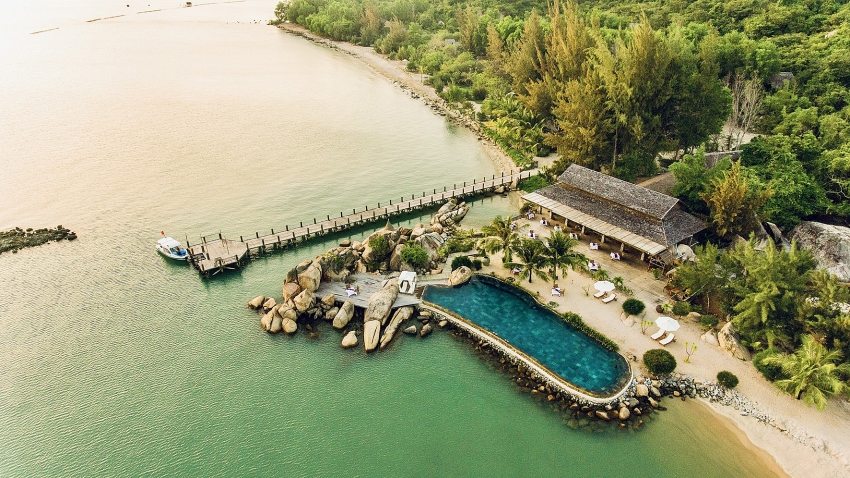 enjoy luxury 5 star accommodations and services at 50 per cent discount with vietjet