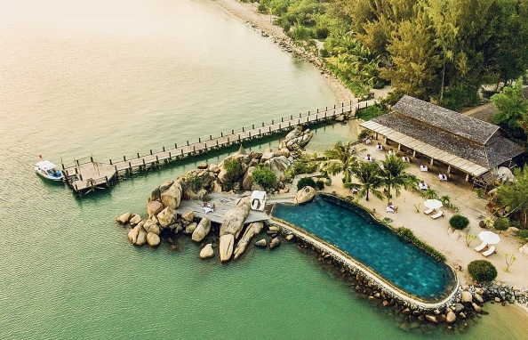 Enjoy luxury 5-star accommodations and services at 50 per cent discount with Vietjet