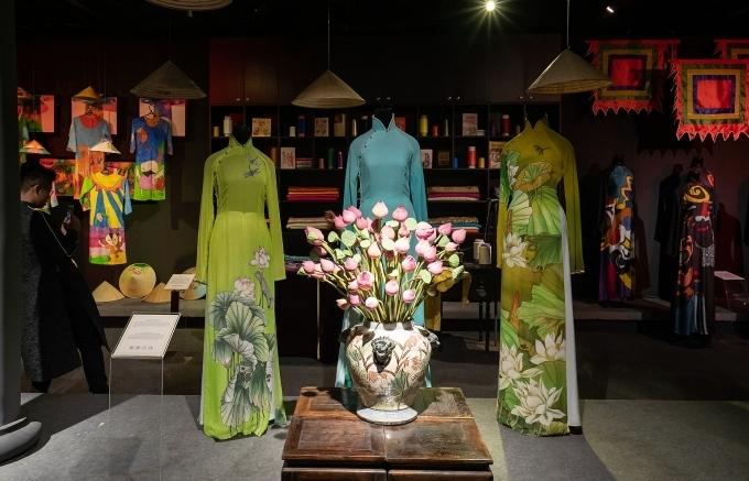 Seventh Ho Chi Minh City Ao Dai Festival officially kicks off