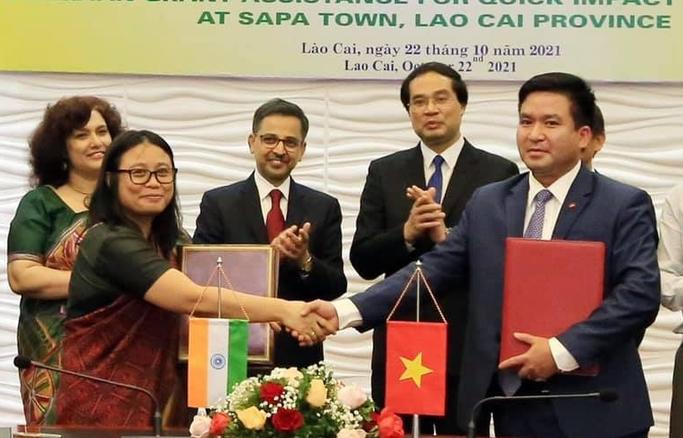 Indian Embassy promotes quick impact projects in Lao Cai province