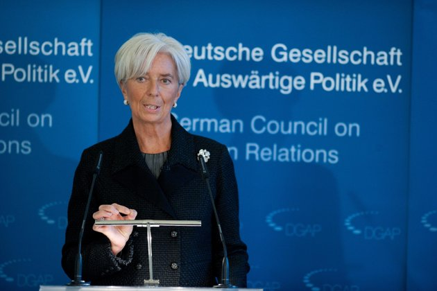 IMF slashes world growth forecast