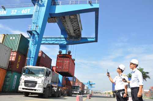 Vietnam exports and imports on track to reach $29.3 billion in January