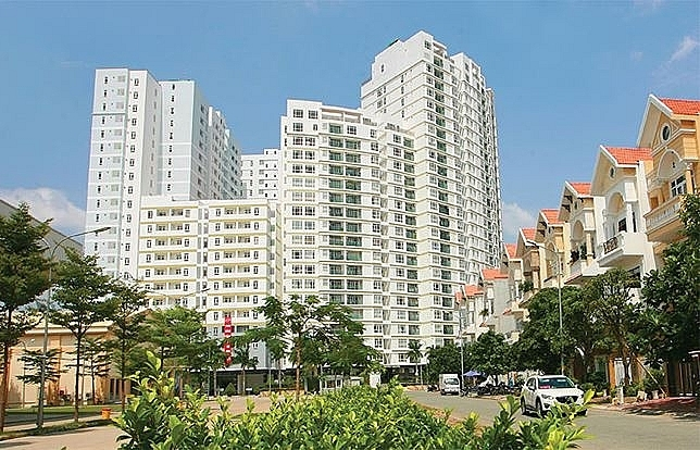 Foreign home hunters go high-end