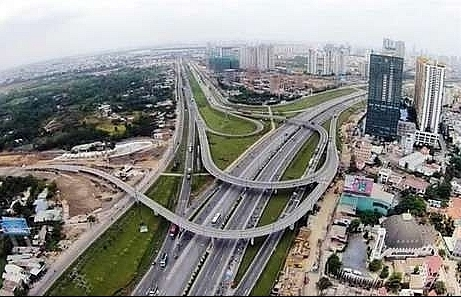 vietnam eyes private investment in infrastructure projects