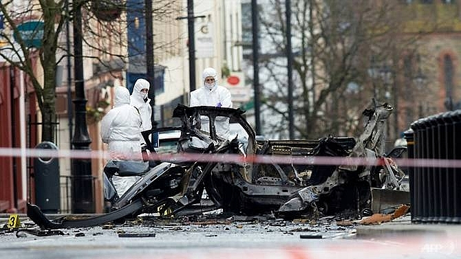 police link northern ireland car bomb to new ira