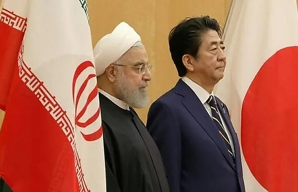 Japan's Abe to visit Middle East amid tensions
