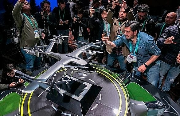 Uber, Hyundai Motor team up to develop electric air taxi