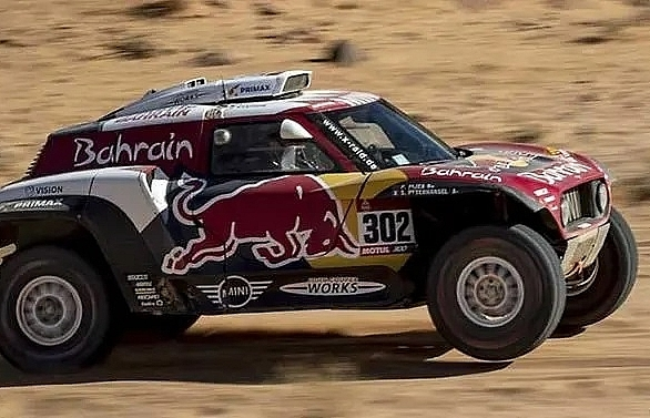 Peterhansel wins Dakar stage 4 as Sainz keeps the lead