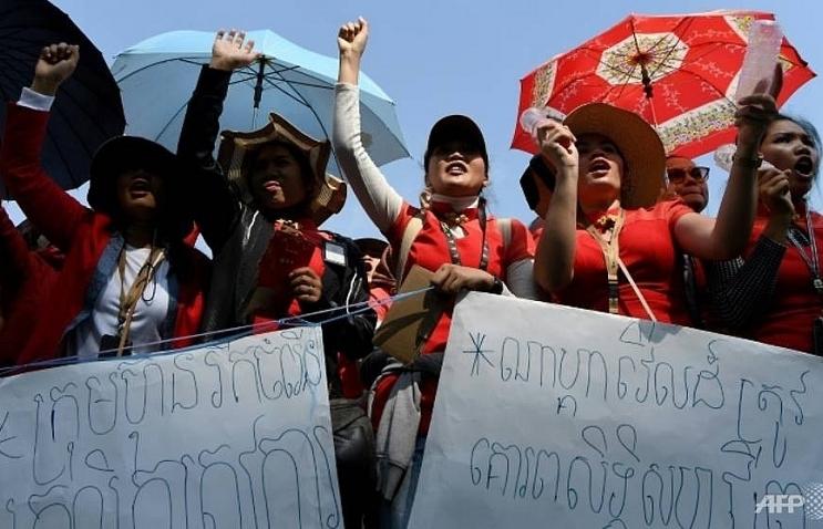 Cambodia casino staff strike over pay at billion-dollar gambling den
