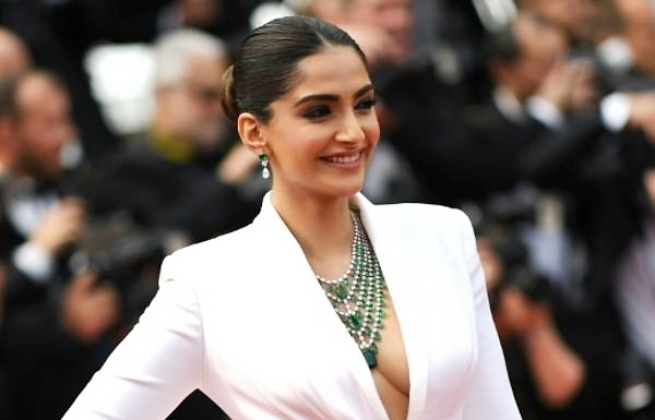 Bollywood star slams Uber after 'scariest experience' in London