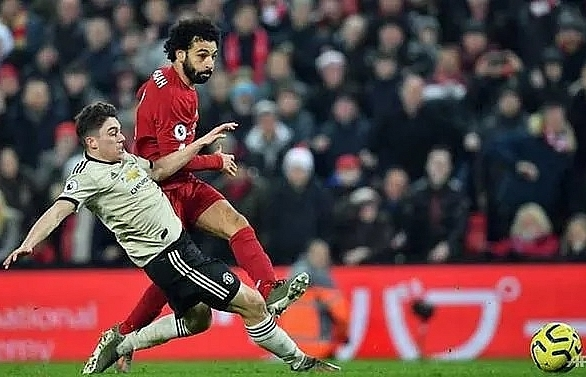 Liverpool power past Man Utd, go 16 points clear