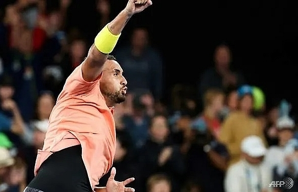 nadal kyrgios through as freak weather hits australian open